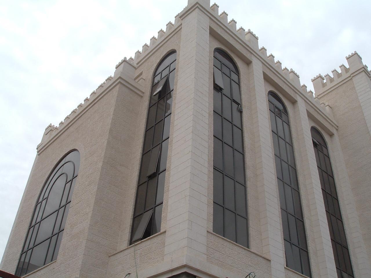 חלונות קירות מסך 14